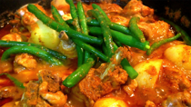 Food Hero – EASY Malaysian Chicken Curry with Green Beans and Potato