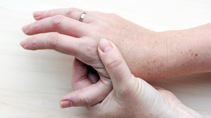 8 simple but effective ways to get rid of warts - Starts at 60