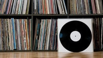 Shoppers are opting to buybooks and vinyl records for their loved ones this festive season. Source: Getty