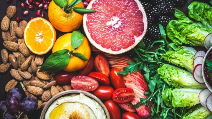 Eating 25 to 30 grams fibre a day is linked to a significantly reduced risk of non-communicable diseases. Source: Getty