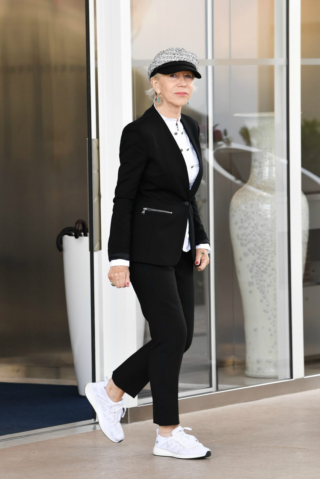 Helen Mirren looked stunning in a tailored black blazer and trousers. Source: Getty