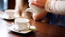 Whether you drink it with milk and sugar, or strong and black, many Aussies can't do without a good cup of tea. Source: Getty.