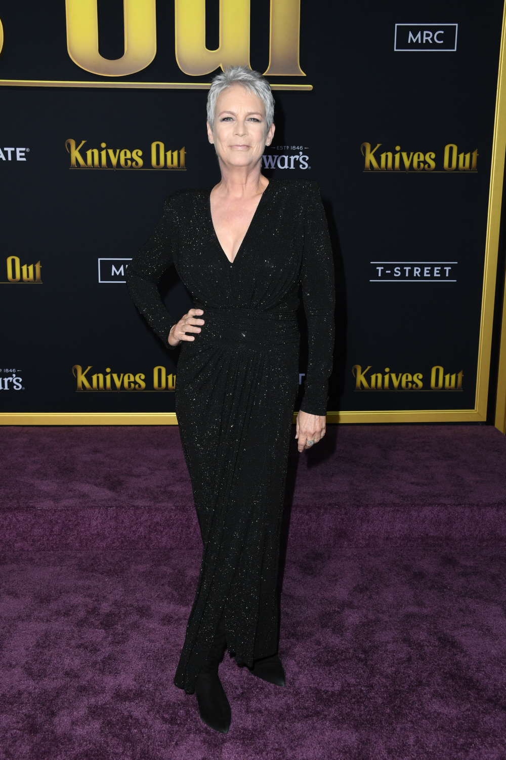 jamie-lee-curtis-black-sparkly-dress