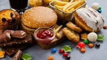 Here's how to prevent or stop unhealthy food cravings. Source: Getty.
