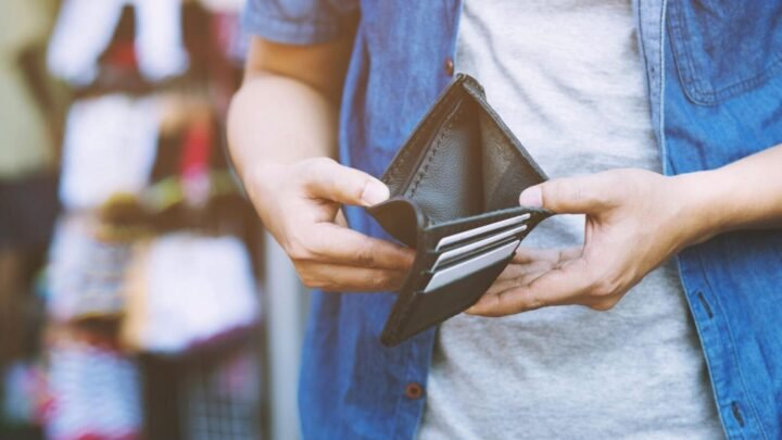 Young Aussies have been hit with the brunt of the economy according to a new report. Source: Getty.