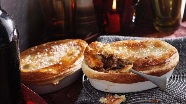 Hearty steak and kidney mini pies - Starts at 60