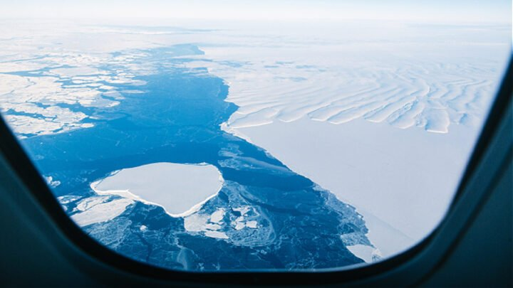 See Antarctica from air on an incredible scenic flight from Australia.
