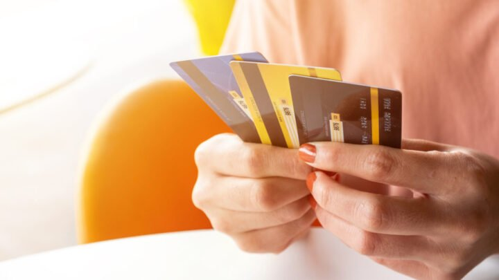You can access heaps of discounts and offers simply by applying for a free Seniors Card. Source: Getty